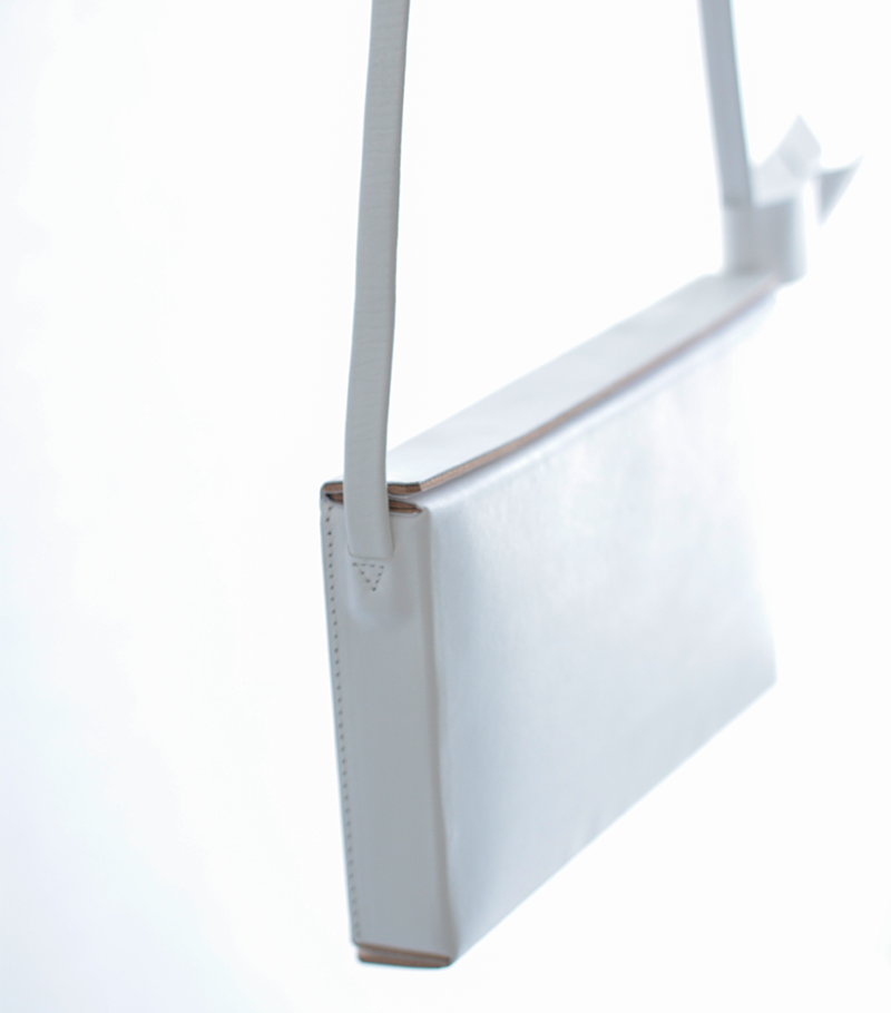 """Aeta(アエタ)ボックスレザーショルダーバッグM""""BOX SHOULDER M"""" le08"""