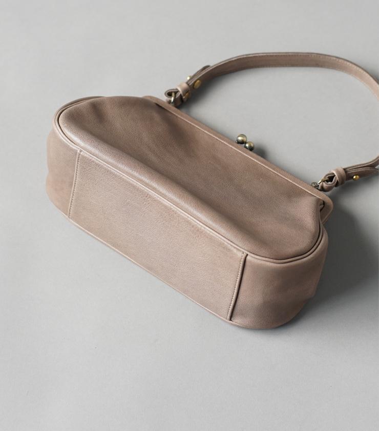 Yammart(ヤマート)カウレザーがま口ラウンド型ハンドバッグ plaingamahandbag-round