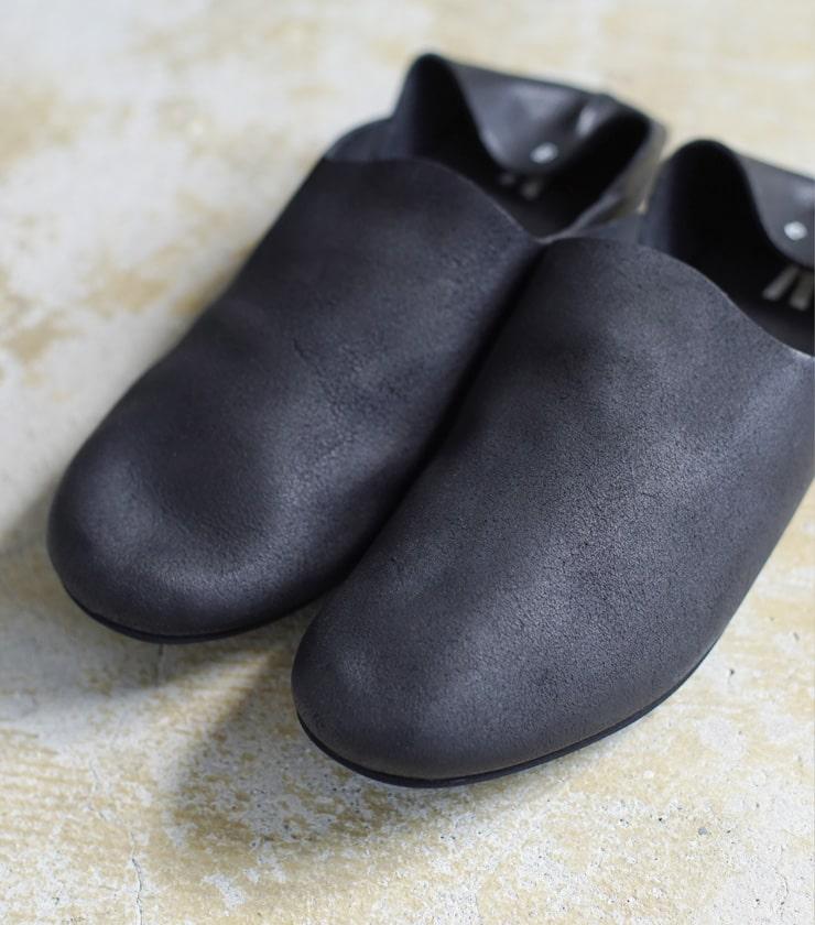 "AUTTAA(アウッタ)レザースリッポンシューズ""Room Shoes"" room-shoes"
