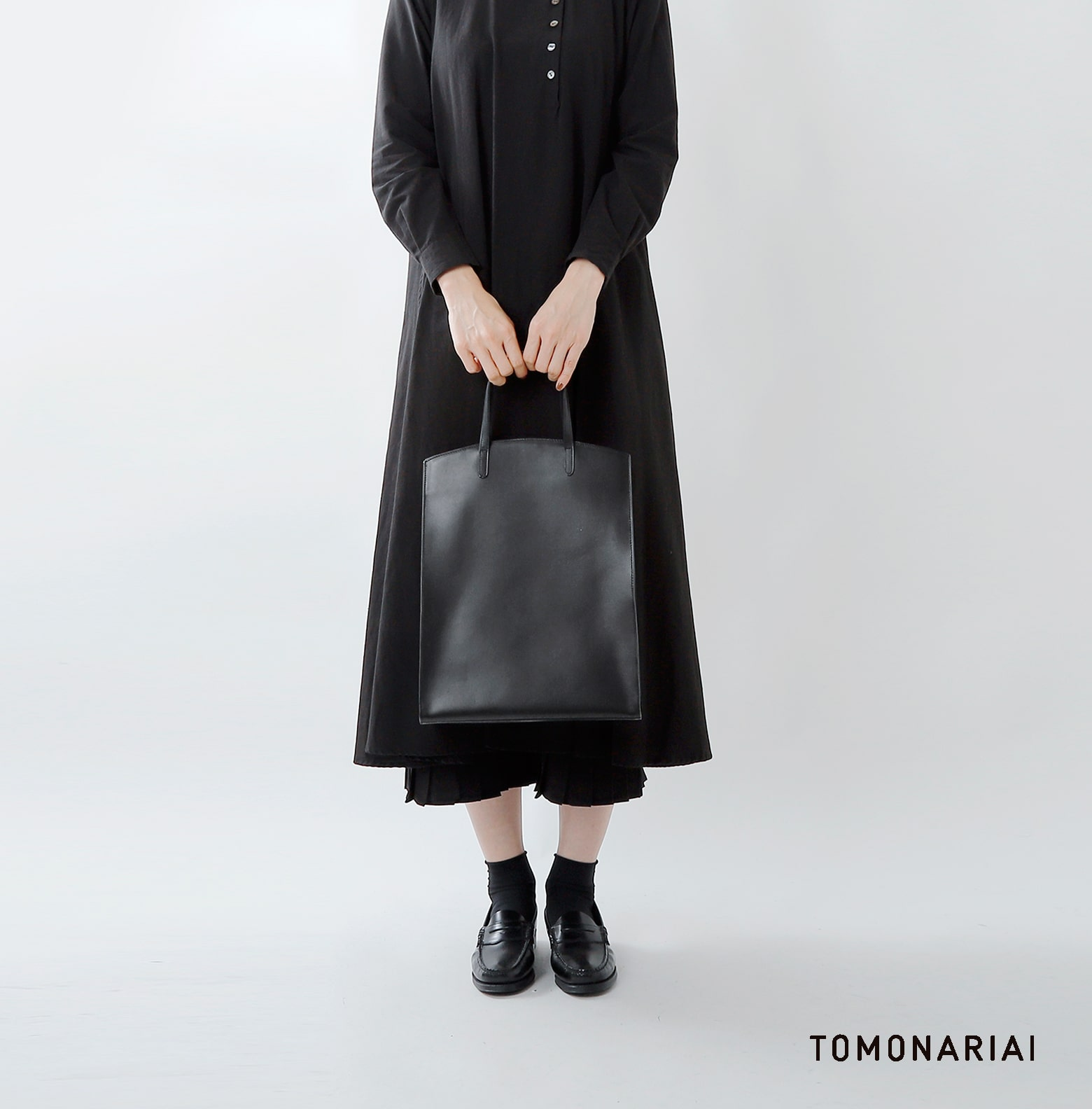 TOMO NARIAI(トモ ナリアイ)カーフレザートートバッグ cb19032